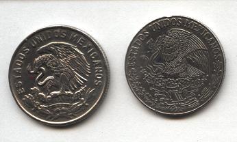 Aunque son monedas de 50c, una, de 1968, muestra el 'Aguila de Carranza', y la de 1970 muestra el actual escudo nacional